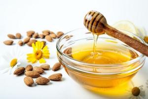 Almond oil honey