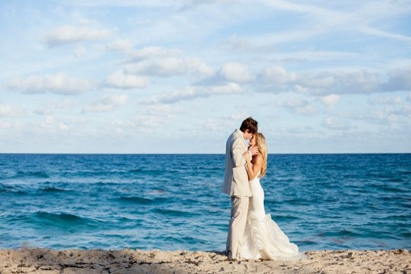 How The Groom Should Dress On His Big Beach Wedding Day