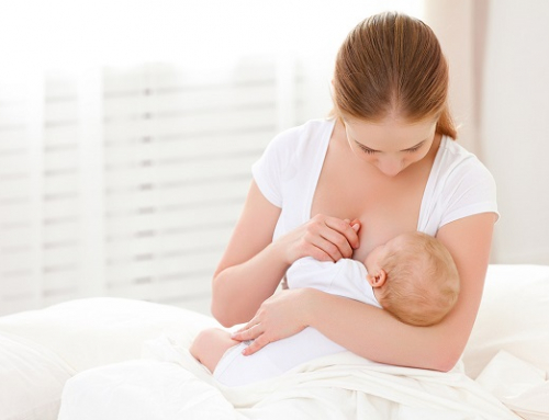 10 Breastfeeding Tips From Other Moms