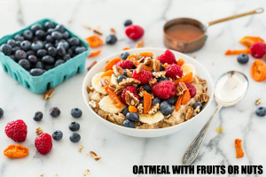 OATMEAL-WITH-FRUITS-OR-NUTS