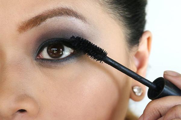 Apply a dark eyeshadow