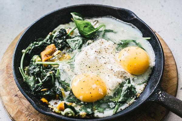 White Eggs with Veggies