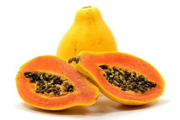 Papayas help in Boosting Digestion Rate