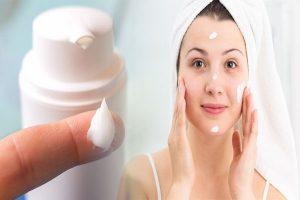 moisturize acne prone skin
